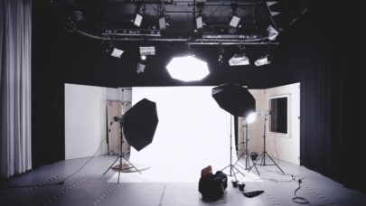 Streamer's Haven is the place to get viewers on Twitch, Mixer, and YouTube. Picture of a Studio Set with three softbox lighting, a white photography reflector sheet for use in photography. This setup isn't using a  high key lighting configuration, but it can easily be configured to do so.